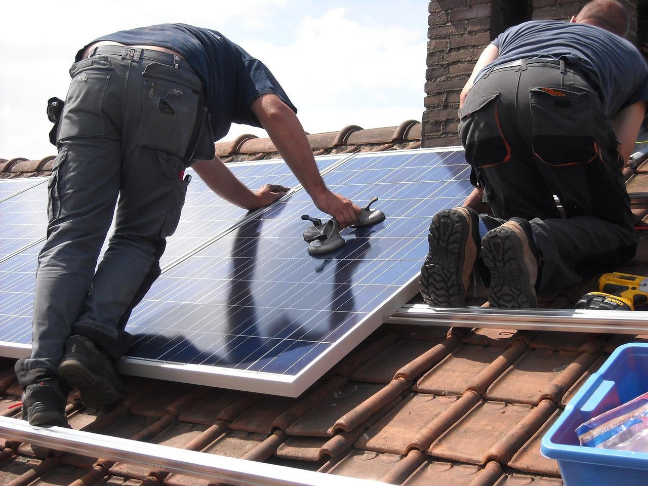 solar-panels-944000_1920.jpg