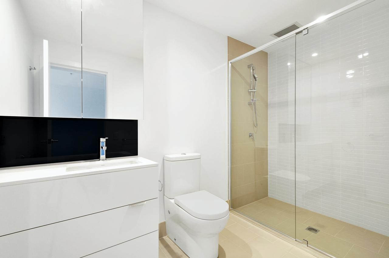 Benefits of Working With Bathroom Construction Experts