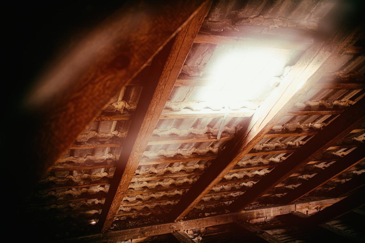 5 benefits of spray foam insulation vs. fiberglass in St. Louis