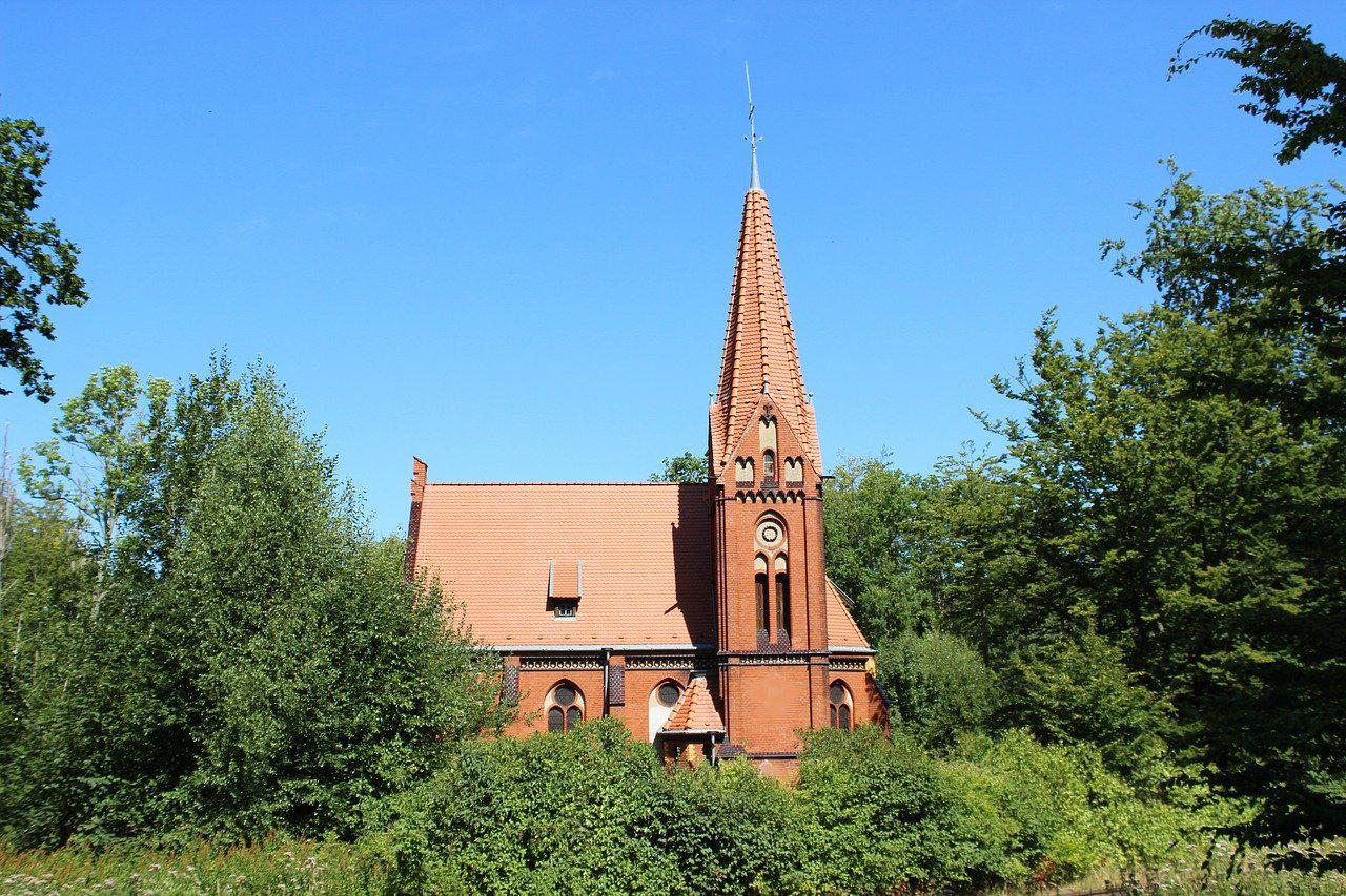 small-church-3589987_1280.jpg