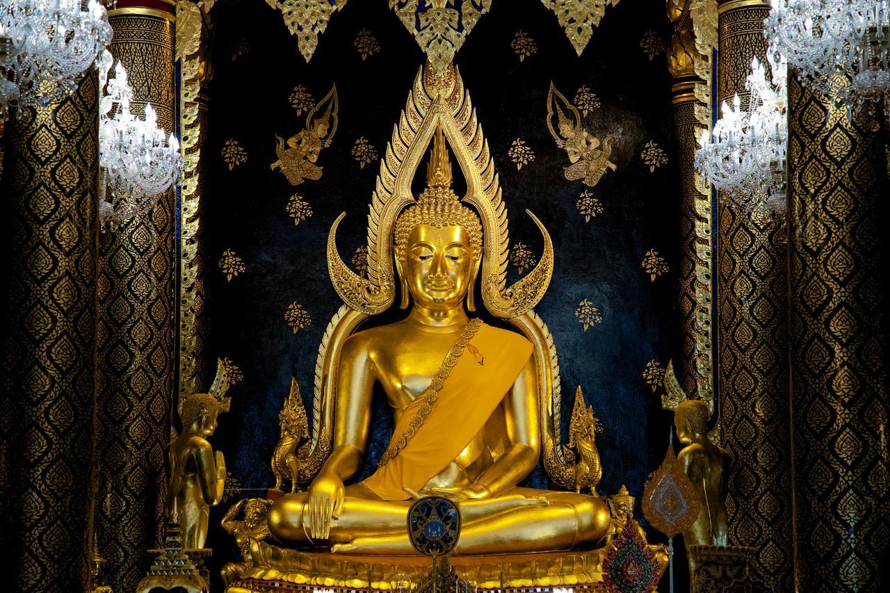 buddha chinarat phitsanulok