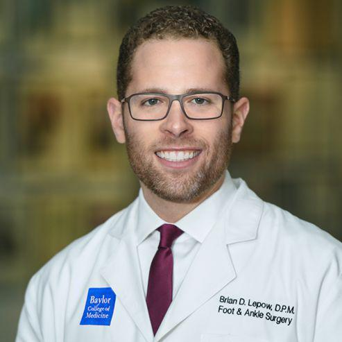 Brian D. Lepow, DPM, s an associate professor and an essential part of our unparalleled wound healing education.
