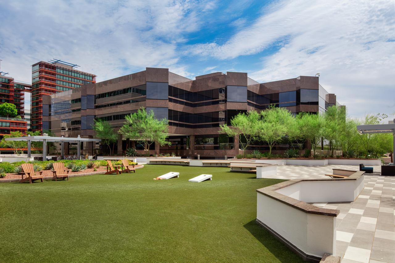 commercial real estate camelback corridor<br/>