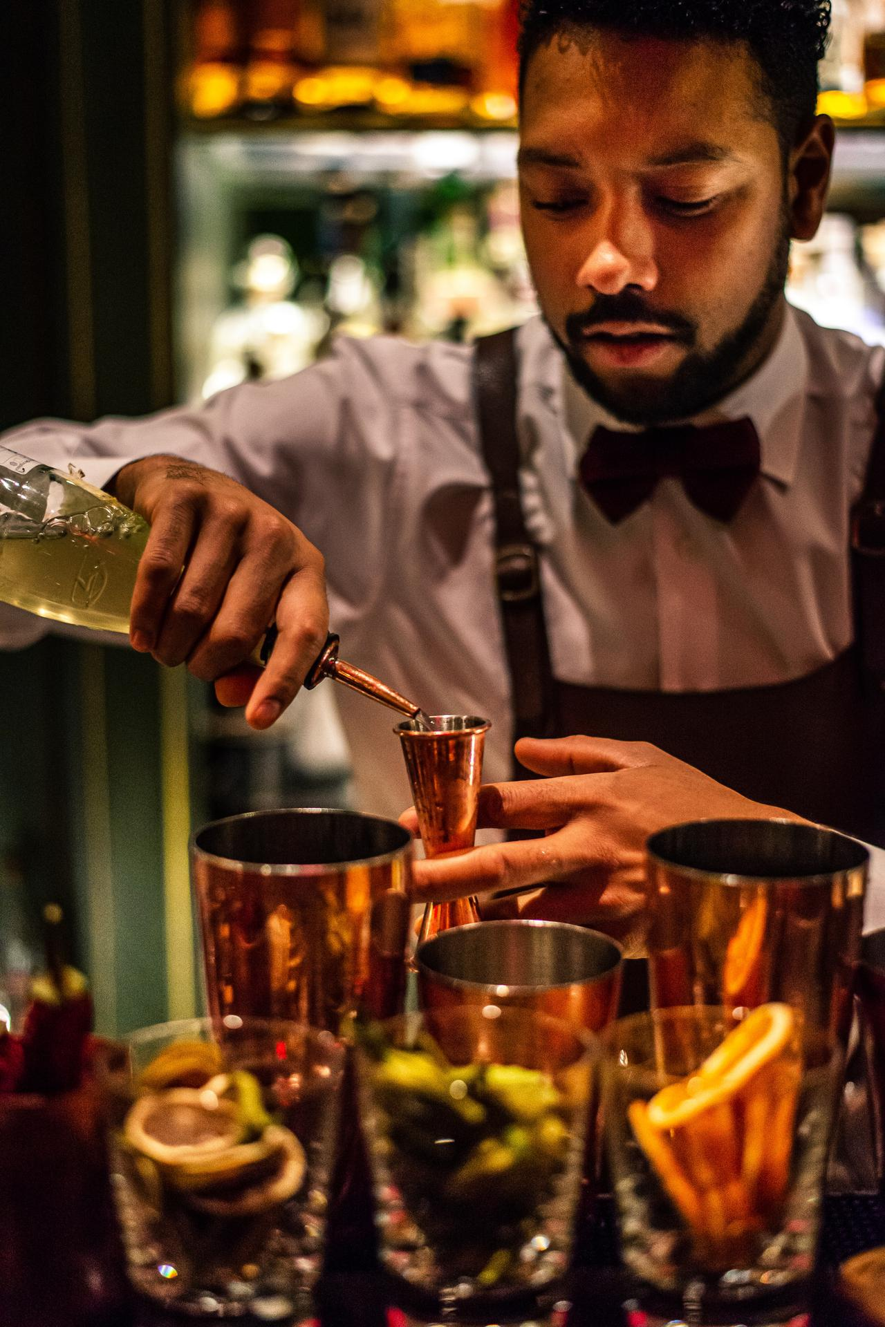 Bartender on Board Receives Distinction in the 11th Annual WeddingWire Couples' Choice Awards®