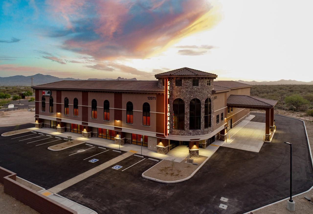 We work with retail build-out contractors to deliver award-winning spaces for commercial properties.
