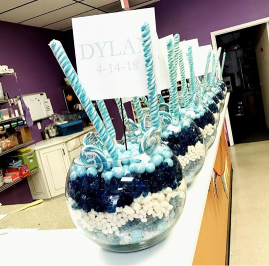 giant blue candy centerpieces.png