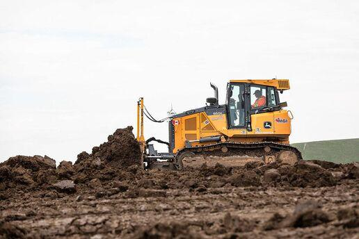 heavy equipment financing for construction equipment moving dirt