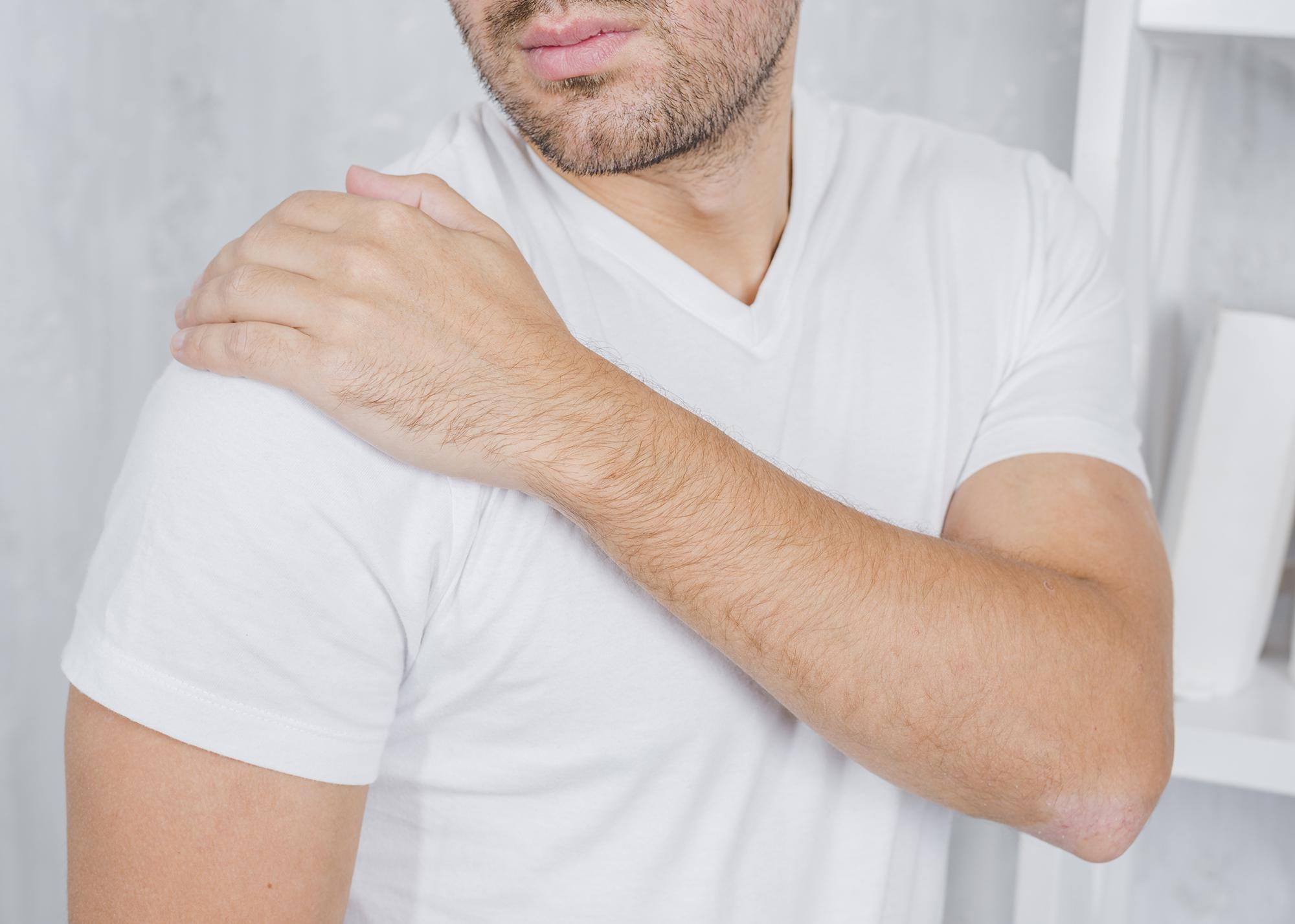Resolve shoulder pain with non invansive spine care in scottsdale AZ.