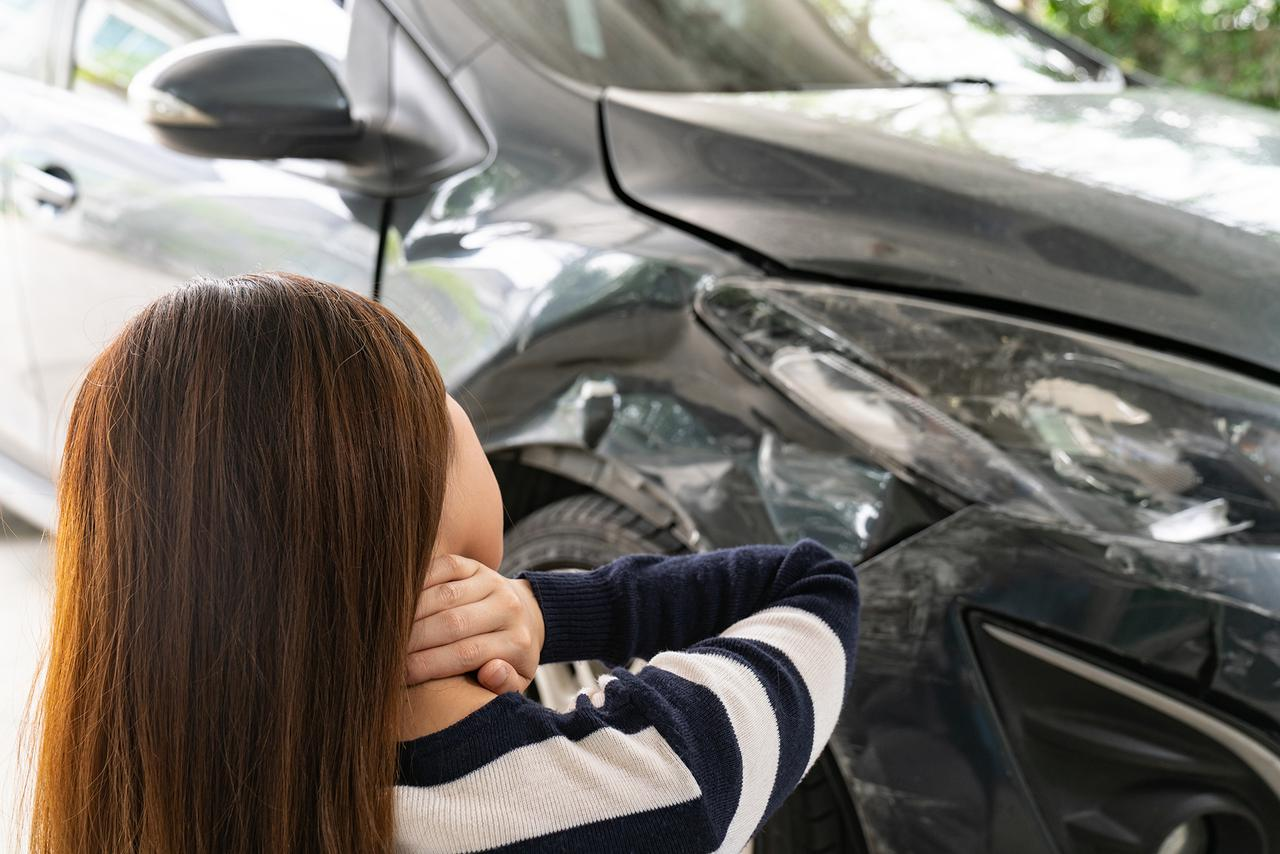Non invasive spine care in scottsdale AZ can treat whiplash following a car accident.
