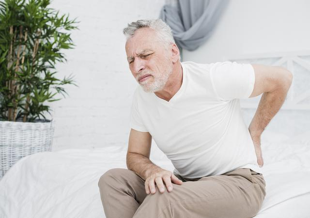 elder-man-with-back-pain.jpg