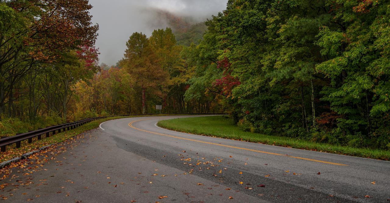 cherohala-skyway-fall-colors.jpg