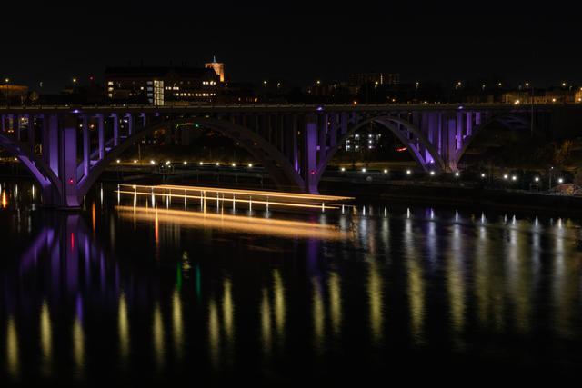 henley st bridge.jpg