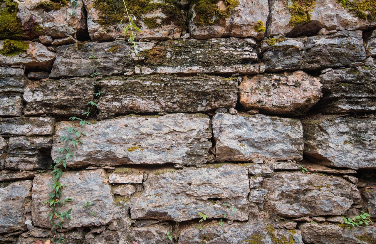 wall-stone-fort.jpg