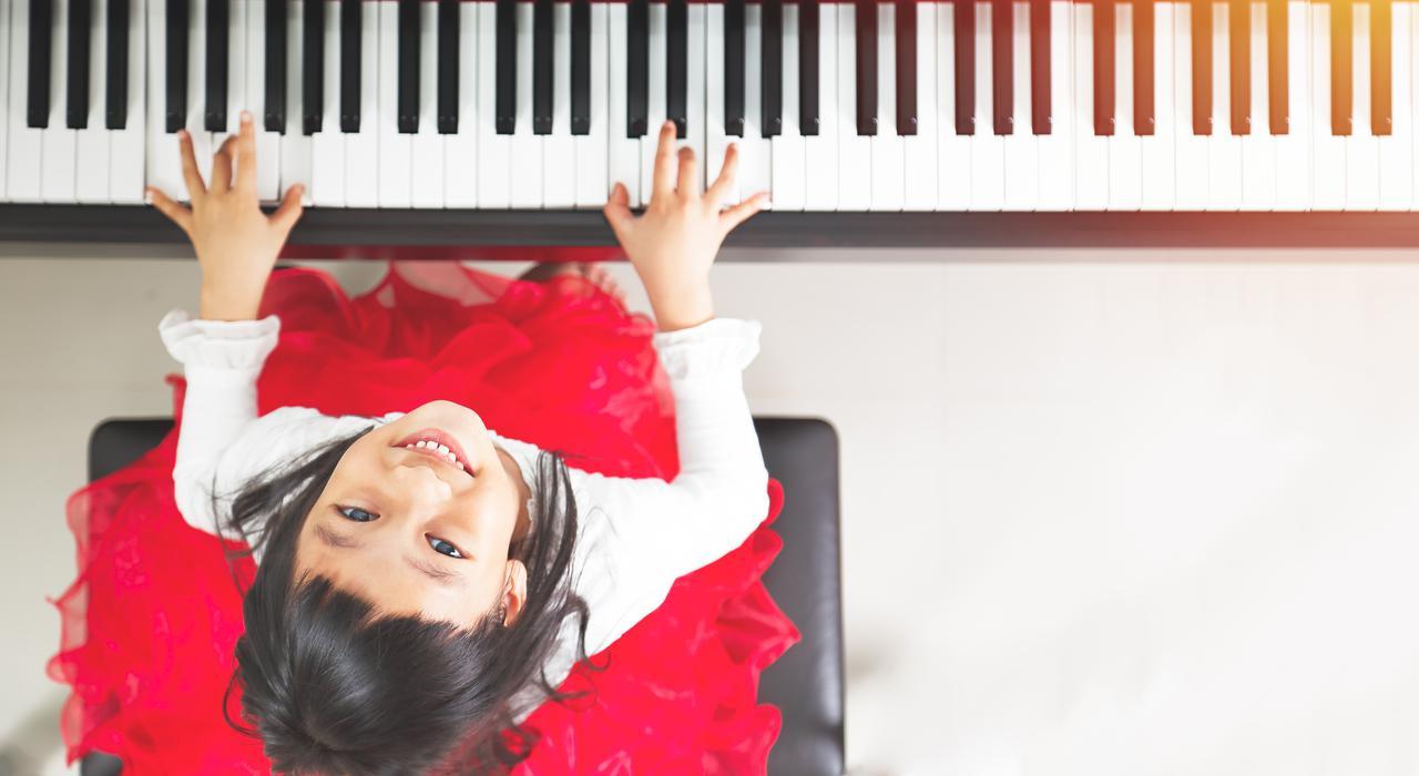 piano girl 2.jpg