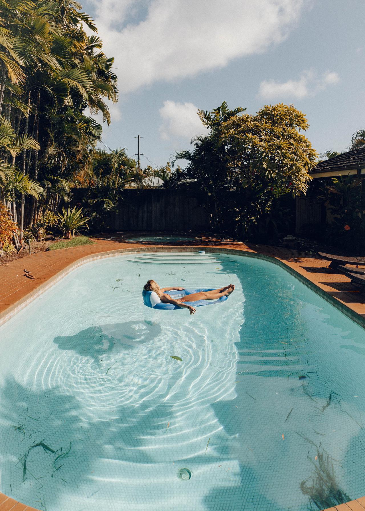 Custom swimming pools by MerLux pools.