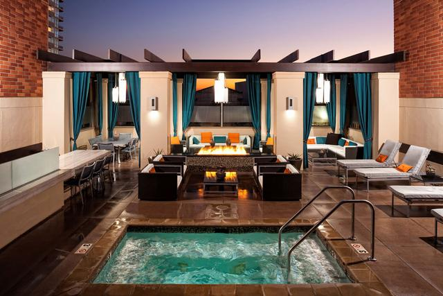 This is a picture of one of Los Angeles Luxury Furnished Housing's corporate housing Los Angeles options.