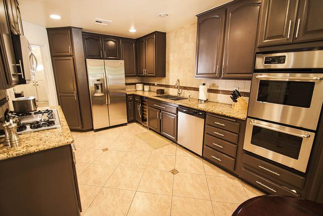 Luxury furnished apartment for rent near UCLA.