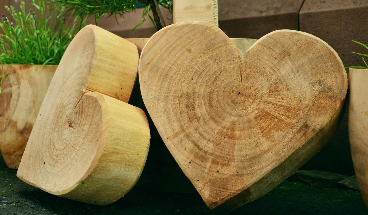 wood-1452655_1920.jpg