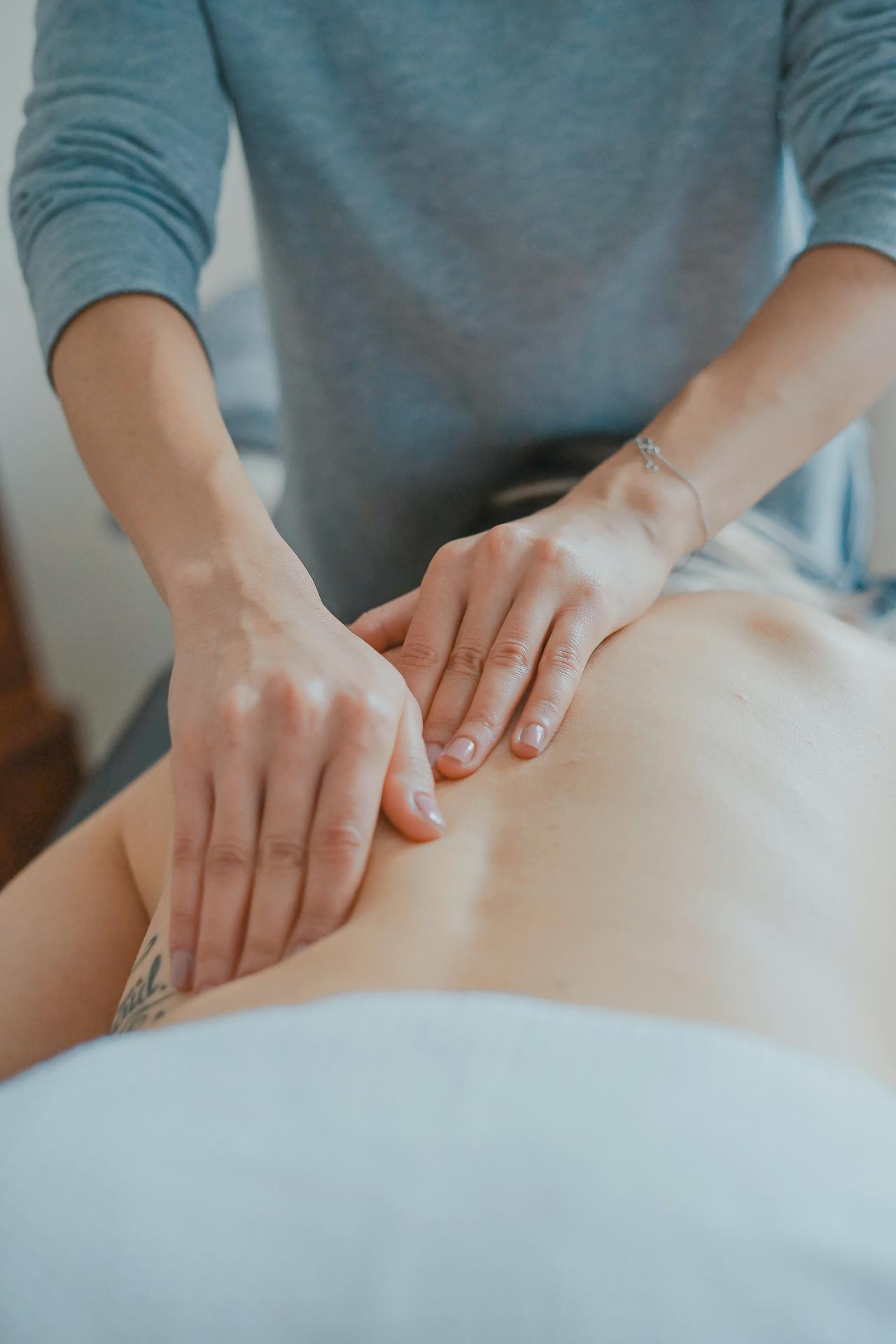 This is a picture of a massage being given by an Atlanta massage therapist.