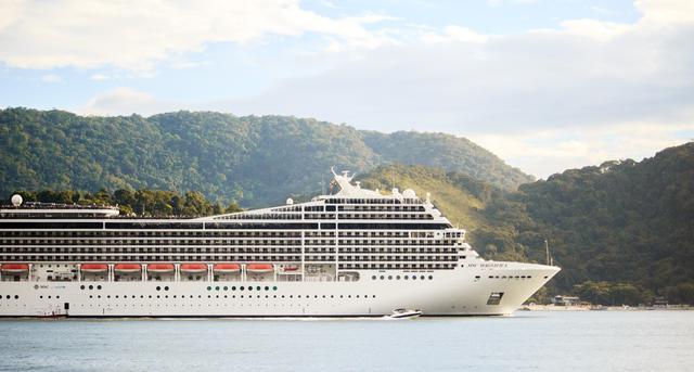 white-ship-775294.jpg