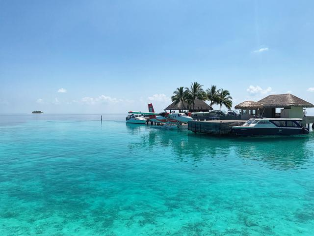 all-inclusive luxury vacation resort in the Maldives