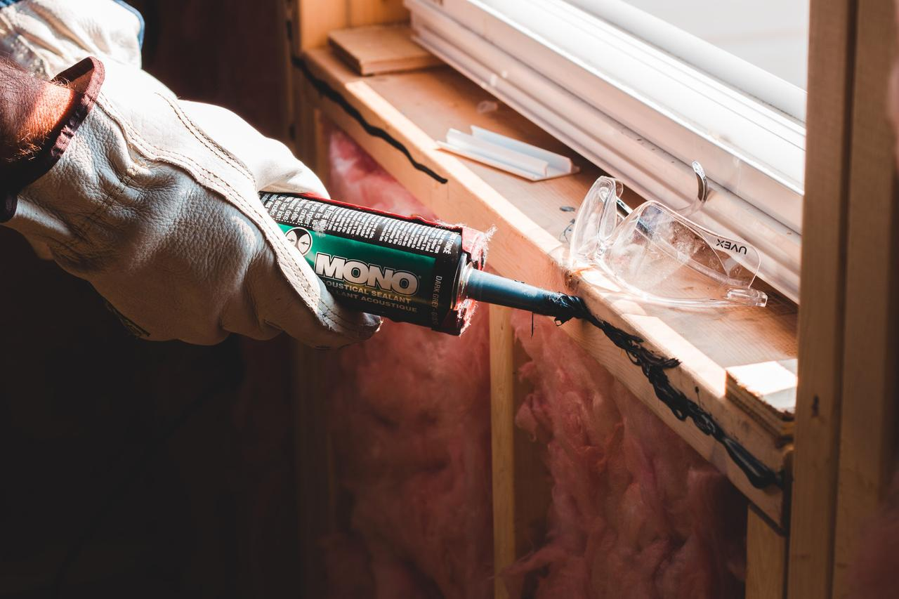 Why you should hire general contractors instead of doing DIY home repair in West Covina