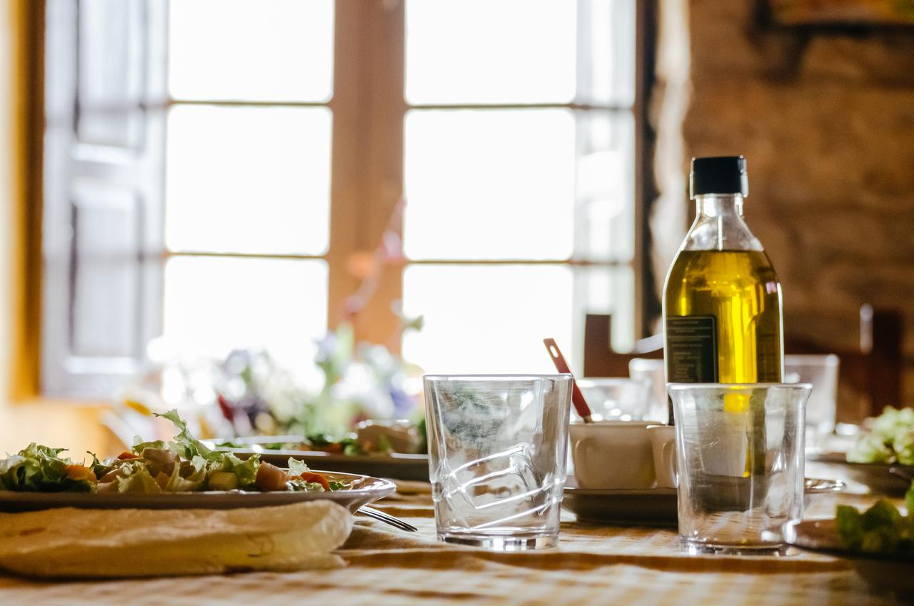 Learn the differences between a Greek and Mediterranean restaurant