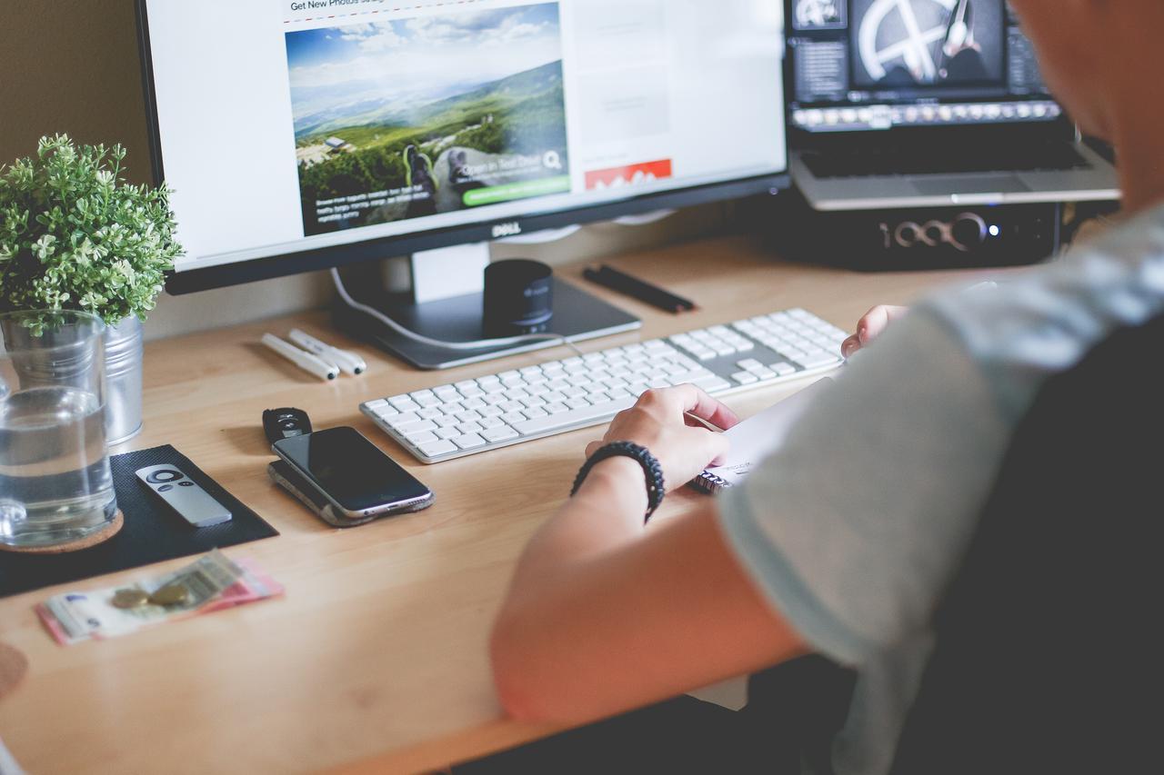 9a9a man working on website layout picjumbo com