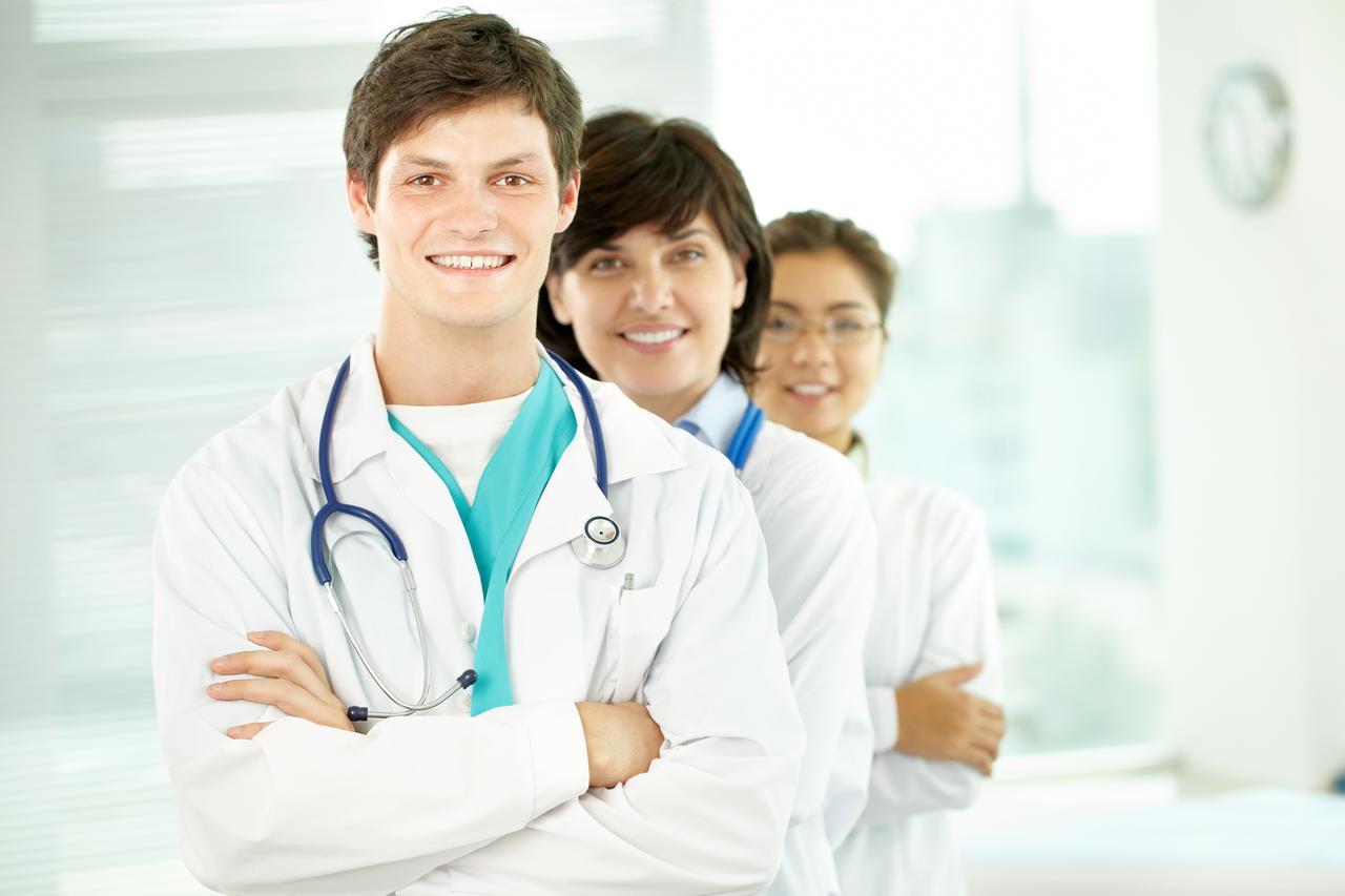 3cca Successful doctors EveryPixel com