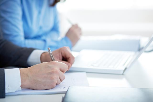 60df5c1e-a219-11e7-a874-0242ac110003-Paperwork_at_office_EveryPixel.com.jpg